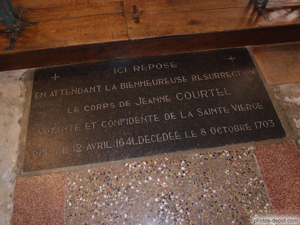 Tombe de Jeanne Courtel photo